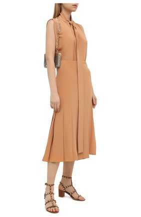 Женские кожаные босоножки valentino garavani rockstud  VALENTINO коричневого цвета, арт. VW2S0491/VBP | Фото 2