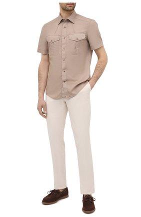 Мужская хлопковая рубашка BRUNELLO CUCINELLI бежевого цвета, арт. ML6803009 | Фото 2 (Рукава: Короткие; Воротник: Кент; Принт: Однотонные; Материал внешний: Хлопок; Стили: Кэжуэл; Случай: Повседневный; Длина (для топов): Стандартные)