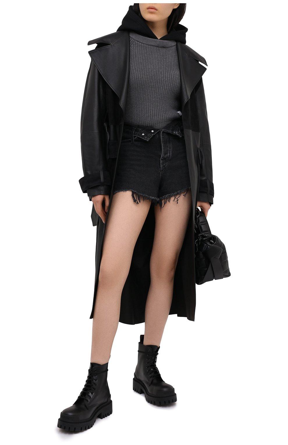 Женские джинсовые шорты DENIM X ALEXANDER WANG серого цвета, арт. 4DC2194542 | Фото 2 (Женское Кросс-КТ: Шорты-одежда; Кросс-КТ: Деним; Длина Ж (юбки, платья, шорты): Мини; Материал внешний: Хлопок; Стили: Кэжуэл)
