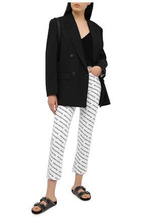 Женские джинсы DENIM X ALEXANDER WANG черно-белого цвета, арт. 4DC1214895   Фото 2