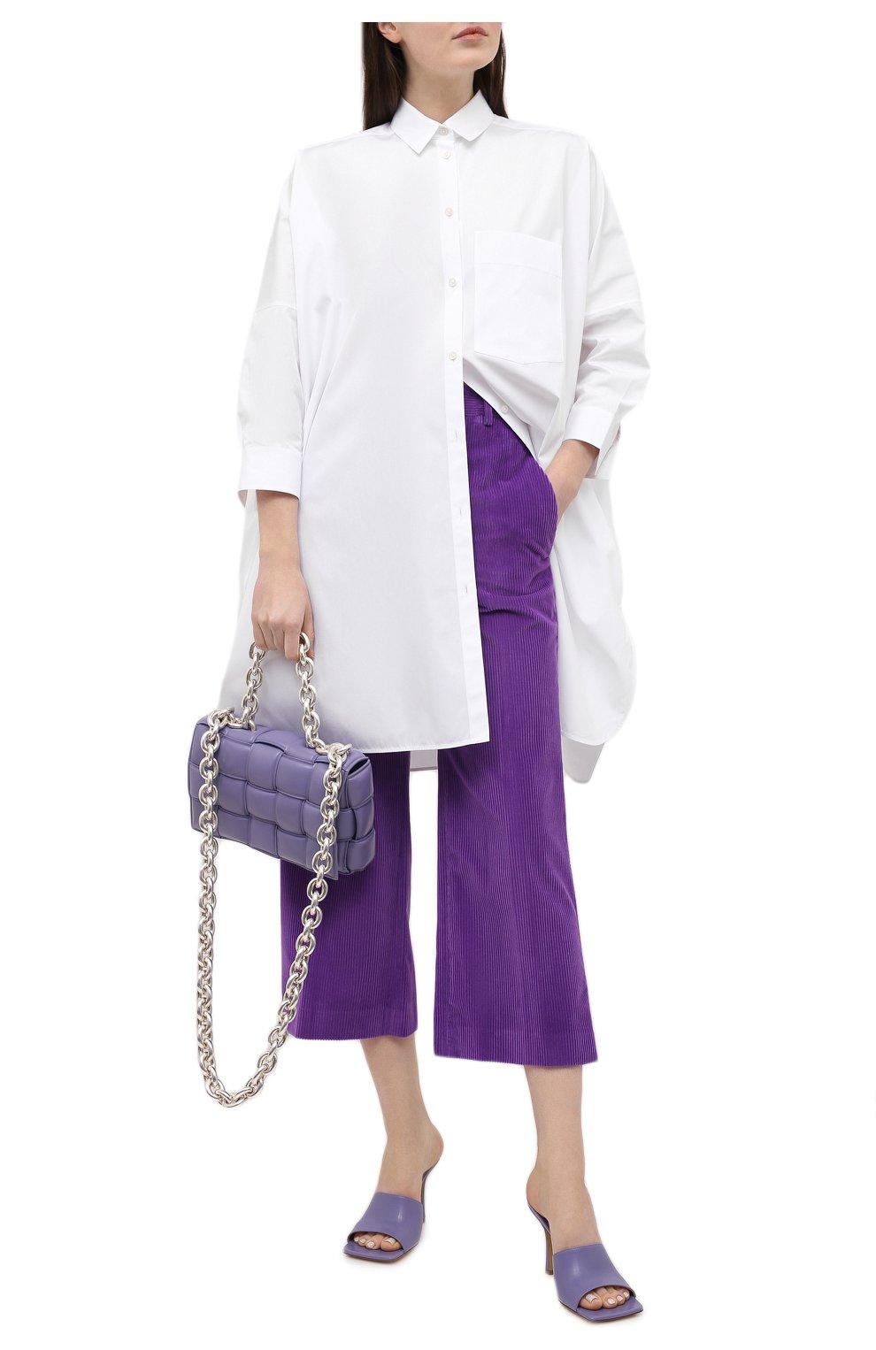 Женские хлопковые брюки VICTORIA BECKHAM фиолетового цвета, арт. 1121WTR002225A   Фото 2 (Женское Кросс-КТ: Брюки-одежда; Силуэт Ж (брюки и джинсы): Расклешенные; Материал внешний: Хлопок; Длина (брюки, джинсы): Укороченные; Стили: Кэжуэл)