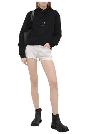 Женские джинсовые шорты SAINT LAURENT белого цвета, арт. 641899/Y01KB | Фото 2 (Длина Ж (юбки, платья, шорты): Мини; Кросс-КТ: Деним; Женское Кросс-КТ: Шорты-одежда; Материал внешний: Хлопок; Стили: Гранж)