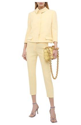 Женские брюки из шерсти и шелка ALEXANDER MCQUEEN желтого цвета, арт. 648572/QJAAA | Фото 2 (Материал внешний: Шерсть; Силуэт Ж (брюки и джинсы): Прямые; Стили: Кэжуэл; Длина (брюки, джинсы): Укороченные; Женское Кросс-КТ: Брюки-одежда)