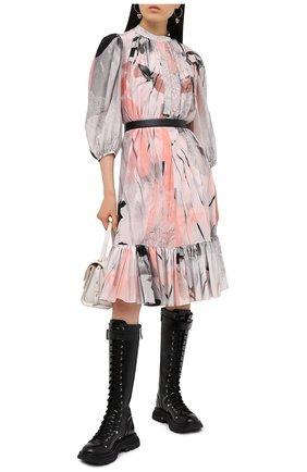 Женское шелковое платье ALEXANDER MCQUEEN разноцветного цвета, арт. 651094/QZACI | Фото 2