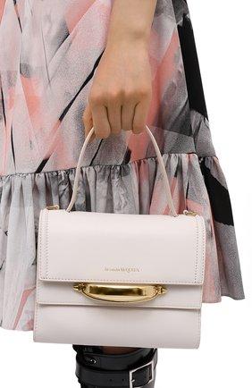 Женская сумка tall story ALEXANDER MCQUEEN кремвого цвета, арт. 619746/D780T | Фото 2 (Размер: small; Сумки-технические: Сумки через плечо, Сумки top-handle; Ремень/цепочка: На ремешке; Материал: Натуральная кожа)
