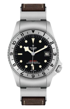 Мужские часы black bay p01 TUDOR черного цвета, арт. 70150/CAUT CALF/BLACK | Фото 1