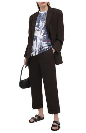Женская хлопковая футболка ALEXANDER MCQUEEN темно-синего цвета, арт. 651868/QZAC0 | Фото 2 (Рукава: Короткие; Длина (для топов): Стандартные; Материал внешний: Хлопок; Стили: Спорт-шик; Женское Кросс-КТ: Футболка-одежда; Принт: С принтом)