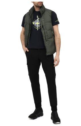 Мужская хлопковая футболка STONE ISLAND темно-синего цвета, арт. 74152NS83 | Фото 2 (Материал внешний: Хлопок; Длина (для топов): Стандартные; Принт: С принтом; Стили: Кэжуэл; Рукава: Короткие)