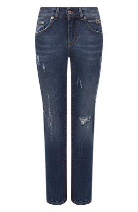 Женские джинсы DOLCE & GABBANA синего цвета, арт. FTBUWD/G8BB2   Фото 1 (Стили: Кэжуэл; Длина (брюки, джинсы): Стандартные; Кросс-КТ: Деним; Детали: Потертости; Материал внешний: Хлопок)