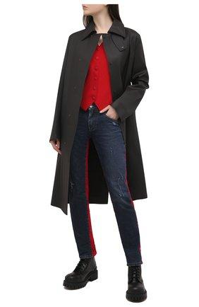 Женские джинсы DOLCE & GABBANA синего цвета, арт. FTBU9D/G8BB4   Фото 2 (Стили: Кэжуэл; Длина (брюки, джинсы): Стандартные; Кросс-КТ: Деним; Детали: Потертости; Материал внешний: Хлопок)
