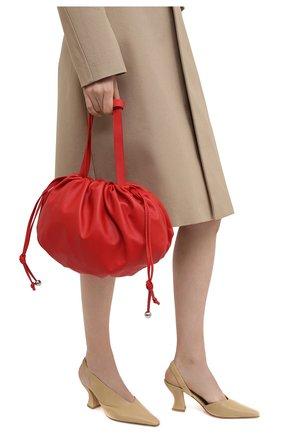 Женская сумка bulb medium BOTTEGA VENETA красного цвета, арт. 651812/VCP40   Фото 2 (Сумки-технические: Сумки top-handle; Размер: medium; Материал: Натуральная кожа)