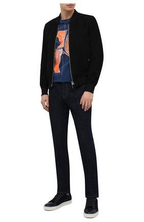 Мужские джинсы ERMENEGILDO ZEGNA темно-синего цвета, арт. UWL02/JL01 | Фото 2 (Силуэт М (брюки): Прямые; Длина (брюки, джинсы): Стандартные; Кросс-КТ: Деним; Материал внешний: Хлопок; Стили: Кэжуэл)