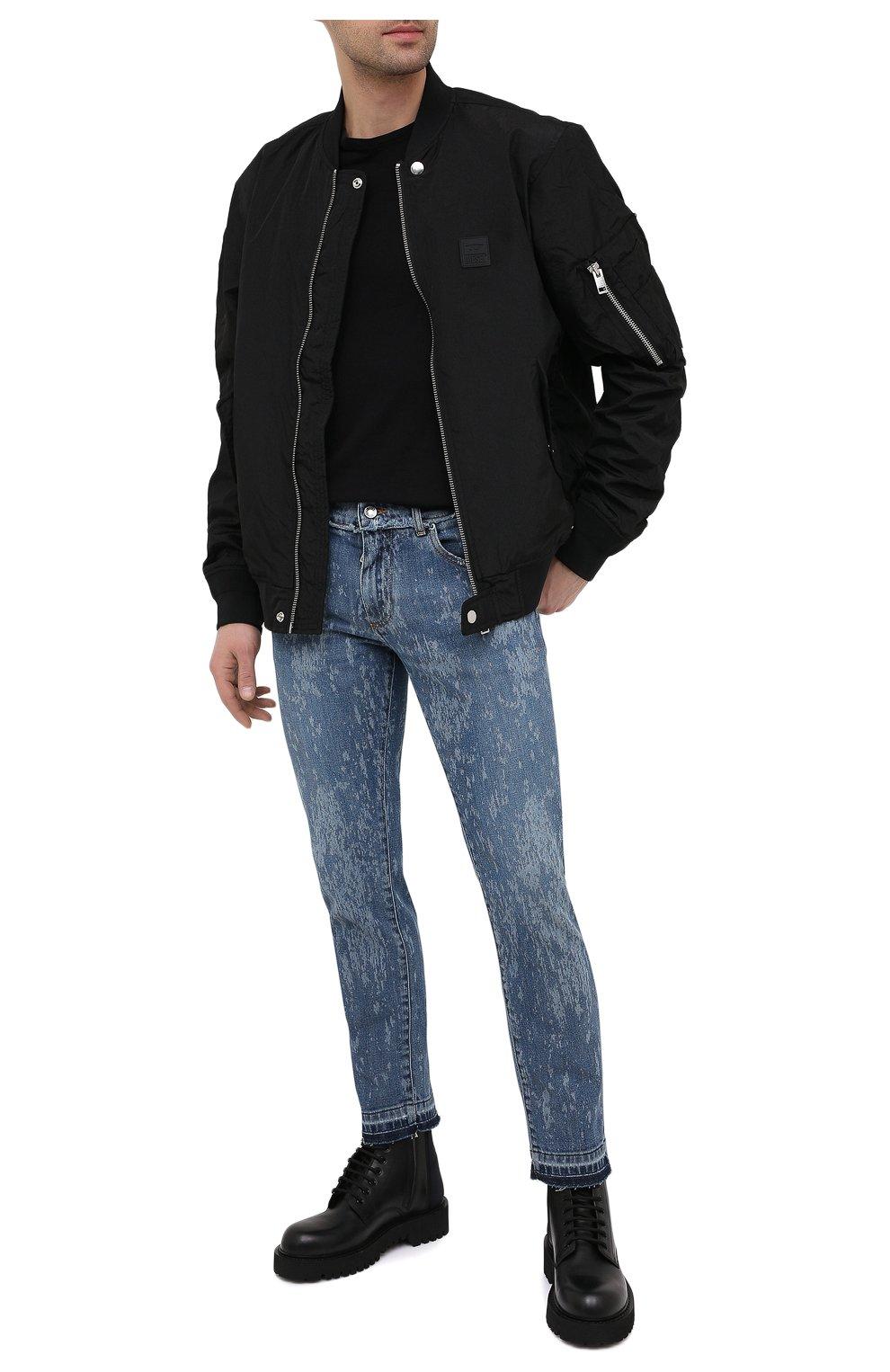Мужские джинсы DOLCE & GABBANA синего цвета, арт. GYC4LD/G8DN6   Фото 2 (Силуэт М (брюки): Узкие; Кросс-КТ: Деним; Длина (брюки, джинсы): Стандартные; Стили: Гранж; Материал внешний: Хлопок; Детали: Потертости)