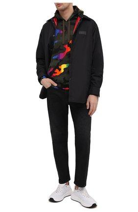 Мужской хлопковое худи VALENTINO разноцветного цвета, арт. VV3MF06H72N | Фото 2 (Длина (для топов): Стандартные; Стили: Милитари; Принт: С принтом; Рукава: Длинные; Мужское Кросс-КТ: Худи-одежда; Материал внешний: Хлопок)