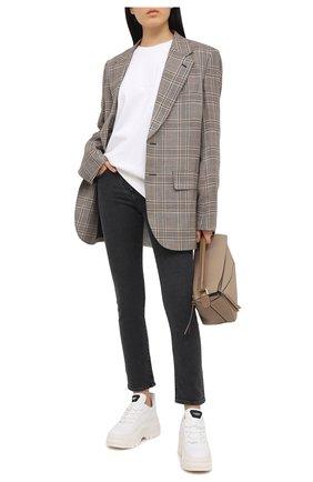 Женские джинсы VALENTINO черного цвета, арт. VB3DD11G67N | Фото 2
