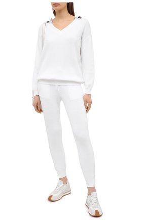 Женский хлопковый свитер BRUNELLO CUCINELLI белого цвета, арт. M19198302 | Фото 2