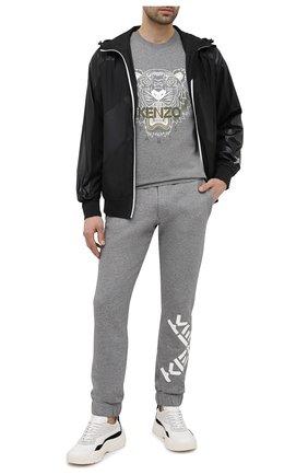 Мужская хлопковая футболка KENZO серого цвета, арт. FB55TS0204YA | Фото 2 (Рукава: Короткие; Материал внешний: Хлопок; Длина (для топов): Стандартные; Стили: Спорт-шик, Гранж; Принт: С принтом)