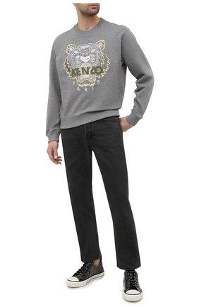 Мужской хлопковый свитшот KENZO серого цвета, арт. FB55SW1104XA | Фото 2 (Мужское Кросс-КТ: свитшот-одежда; Материал внешний: Хлопок; Рукава: Длинные; Стили: Гранж; Принт: С принтом; Длина (для топов): Стандартные)