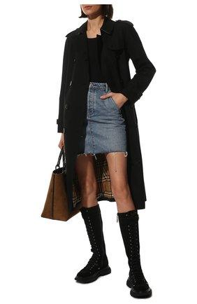Женские замшевые сапоги ALEXANDER MCQUEEN черного цвета, арт. 595466/WHZ28 | Фото 2 (Материал внутренний: Натуральная кожа; Подошва: Платформа; Высота голенища: Средние; Каблук высота: Низкий; Каблук тип: Устойчивый; Материал внешний: Замша)