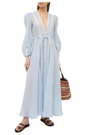 Женское льняное платье A MERE CO голубого цвета, арт. AMC-RSS21-02BW | Фото 2