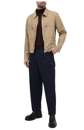 Мужские хлопковые брюки-карго GIORGIO ARMANI темно-синего цвета, арт. 1SGPP0GT/T02EY | Фото 2 (Силуэт М (брюки): Карго; Стили: Кэжуэл; Случай: Повседневный; Материал внешний: Хлопок; Длина (брюки, джинсы): Стандартные)