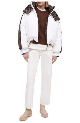 Женский пуховая куртка FENDI белого цвета, арт. FAN001 AEQD | Фото 2