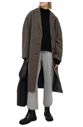 Женские брюки NANUSHKA серого цвета, арт. NEA_HEATHER GREY_FLUFFY KNIT | Фото 2
