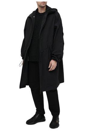 Мужские хлопковые брюки BOTTEGA VENETA черного цвета, арт. 647392/V0FJ0 | Фото 2 (Материал внешний: Хлопок; Длина (брюки, джинсы): Стандартные; Случай: Повседневный; Стили: Минимализм)