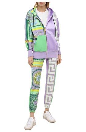 Женские хлопковые джоггеры VERSACE разноцветного цвета, арт. A88512/1F00627 | Фото 2