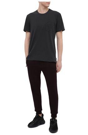 Мужская хлопковая футболка JAMES PERSE серого цвета, арт. MLJ3282 | Фото 2 (Рукава: Короткие; Материал внешний: Хлопок; Принт: Без принта; Длина (для топов): Стандартные; Стили: Минимализм)