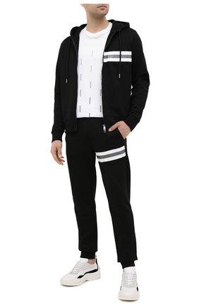 Мужская хлопковая футболка MONCLER белого цвета, арт. G1-091-8C7B1-10-829H8 | Фото 2 (Длина (для топов): Стандартные; Материал внешний: Хлопок; Стили: Гранж; Принт: С принтом; Рукава: Короткие)