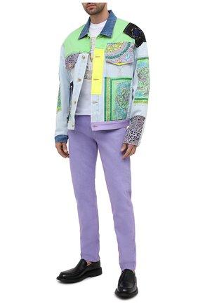 Мужская джинсовая куртка VERSACE разноцветного цвета, арт. A88559/1F00408 | Фото 2
