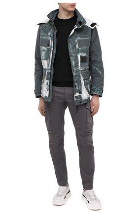 Мужские хлопковые брюки-карго C.P. COMPANY темно-серого цвета, арт. 10CMPA152A-005694G | Фото 2 (Случай: Повседневный; Материал внешний: Хлопок; Силуэт М (брюки): Карго; Стили: Гранж; Длина (брюки, джинсы): Стандартные)