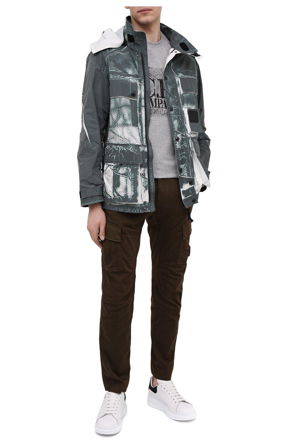 Мужские хлопковые брюки-карго C.P. COMPANY хаки цвета, арт. 10CMPA151A-005694G | Фото 2 (Силуэт М (брюки): Карго; Длина (брюки, джинсы): Стандартные; Случай: Повседневный; Стили: Гранж; Материал внешний: Хлопок)