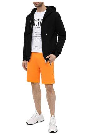 Мужские хлопковые шорты BALMAIN оранжевого цвета, арт. VH10A000/B072 | Фото 2