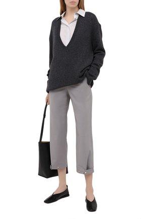 Женские шерстяные брюки LORENA ANTONIAZZI серого цвета, арт. P2108PA047/3180 | Фото 2