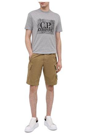 Мужские хлопковые шорты C.P. COMPANY бежевого цвета, арт. 10CMBE160A-005694G | Фото 2