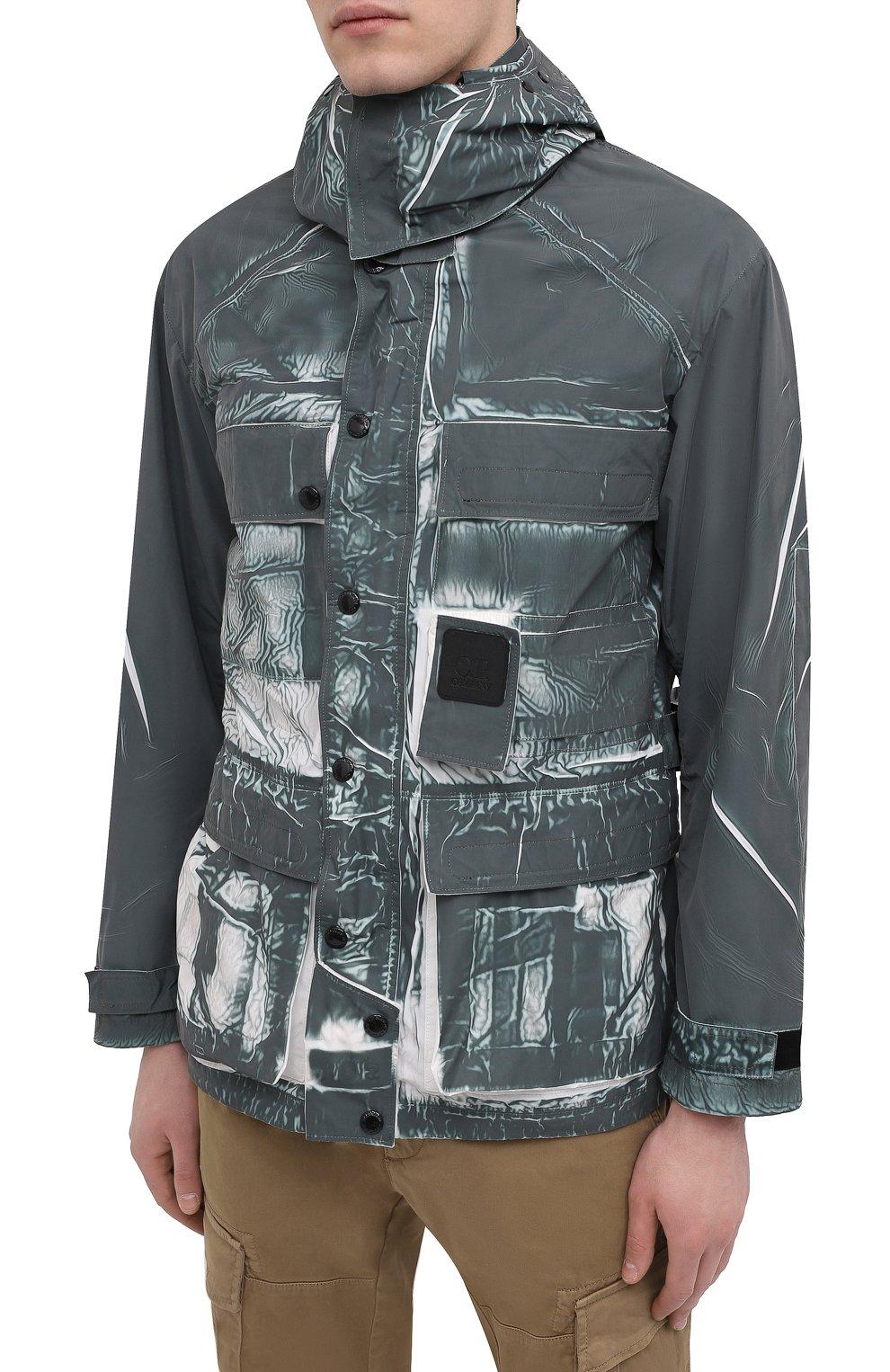 Мужская куртка C.P. COMPANY зеленого цвета, арт. 10CM0W214A-005990P | Фото 3 (Кросс-КТ: Куртка, Ветровка; Рукава: Длинные; Материал внешний: Синтетический материал; Длина (верхняя одежда): Короткие; Стили: Кэжуэл)