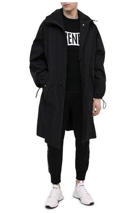 Мужской хлопковый свитер GIVENCHY черного цвета, арт. BM90F7401M | Фото 2 (Материал внешний: Хлопок; Длина (для топов): Стандартные; Принт: С принтом; Мужское Кросс-КТ: Свитер-одежда; Рукава: Длинные; Стили: Кэжуэл)
