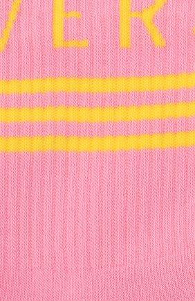 Мужские хлопковые носки VERSACE розового цвета, арт. ICZ0003/IK0203 | Фото 2 (Материал внешний: Хлопок; Кросс-КТ: бельё)