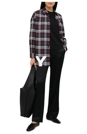 Женские шелковые брюки HELMUT LANG черного цвета, арт. K10DW203   Фото 2