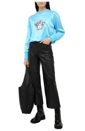 Женский свитшот VERSACE голубого цвета, арт. A88405/1F00108 | Фото 2