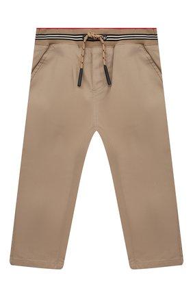 Детские хлопковые брюки BURBERRY бежевого цвета, арт. 8030129 | Фото 1