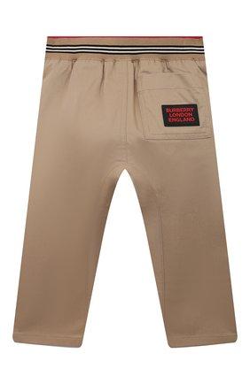 Детские хлопковые брюки BURBERRY бежевого цвета, арт. 8030129 | Фото 2