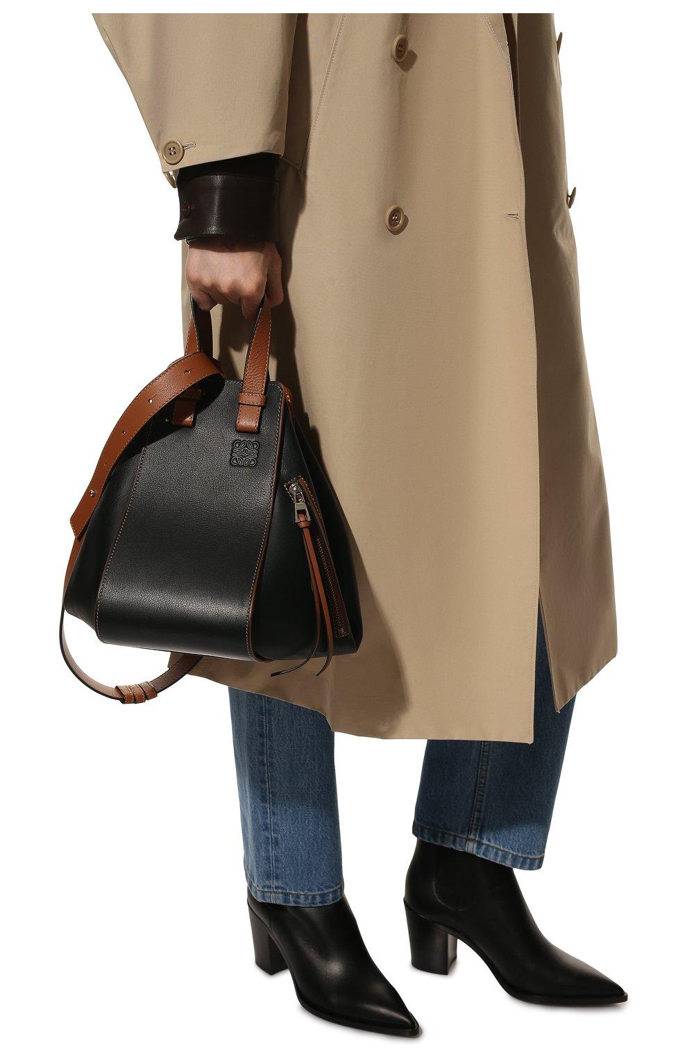 Женская сумка hammock small LOEWE черного цвета, арт. A538S35X04   Фото 2 (Сумки-технические: Сумки через плечо, Сумки top-handle; Материал: Натуральная кожа; Ремень/цепочка: На ремешке; Размер: small)