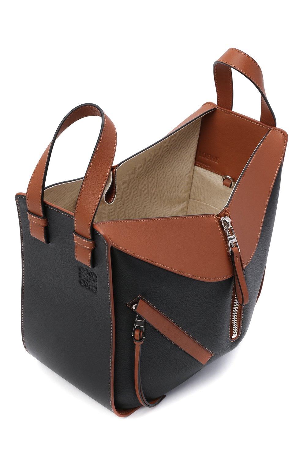 Женская сумка hammock small LOEWE черного цвета, арт. A538S35X04   Фото 4 (Сумки-технические: Сумки через плечо, Сумки top-handle; Материал: Натуральная кожа; Ремень/цепочка: На ремешке; Размер: small)
