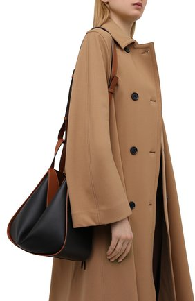 Женская сумка hammock small LOEWE черного цвета, арт. A538S35X04   Фото 5 (Сумки-технические: Сумки через плечо, Сумки top-handle; Материал: Натуральная кожа; Ремень/цепочка: На ремешке; Размер: small)