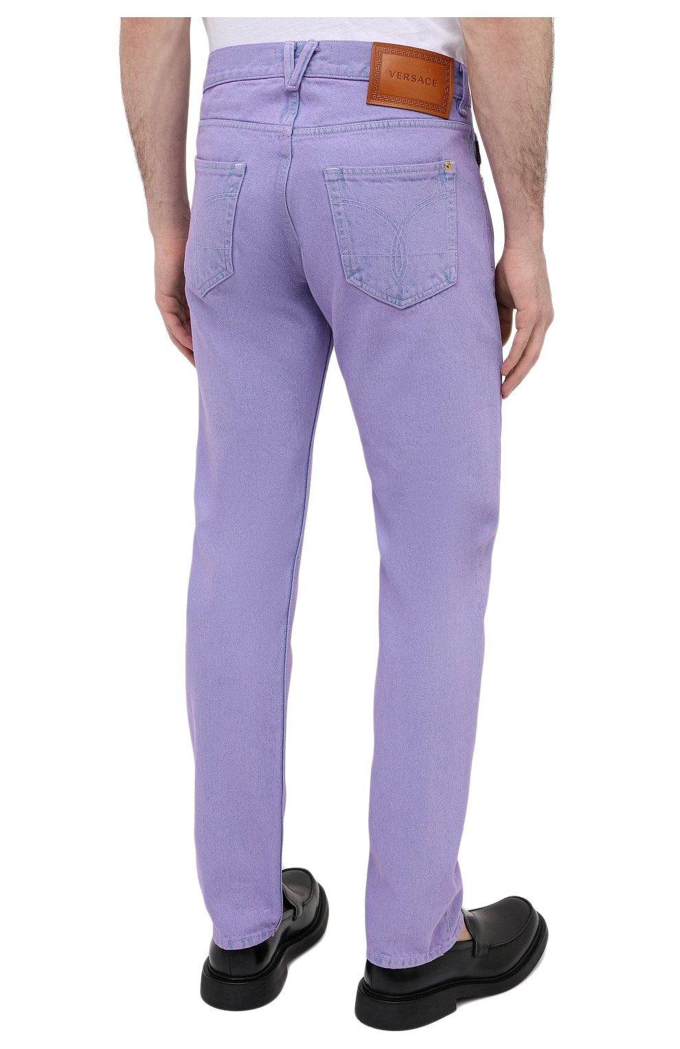 Мужские джинсы VERSACE фиолетового цвета, арт. A86452/1F00558 | Фото 4 (Силуэт М (брюки): Прямые; Кросс-КТ: Деним; Длина (брюки, джинсы): Стандартные; Материал внешний: Хлопок; Стили: Кэжуэл)