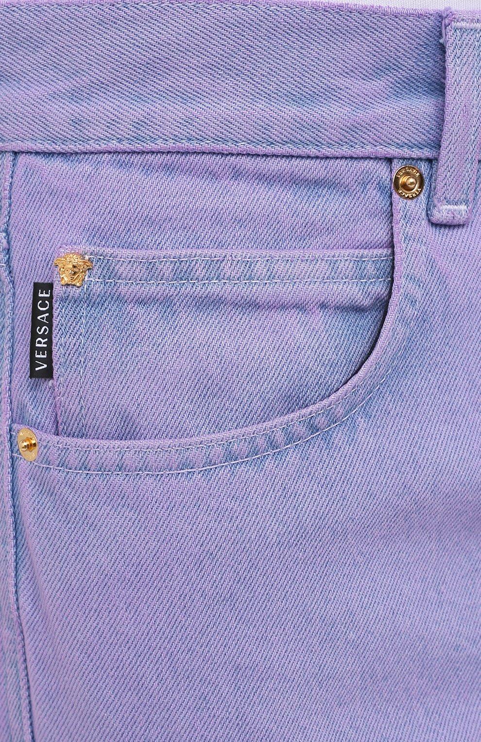 Мужские джинсы VERSACE фиолетового цвета, арт. A86452/1F00558 | Фото 5 (Силуэт М (брюки): Прямые; Кросс-КТ: Деним; Длина (брюки, джинсы): Стандартные; Материал внешний: Хлопок; Стили: Кэжуэл)