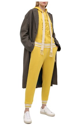 Женские хлопковые джоггеры LOEWE желтого цвета, арт. S359331XCU   Фото 2